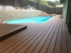 finished project - 700sq.' of plastic and wood composite decking